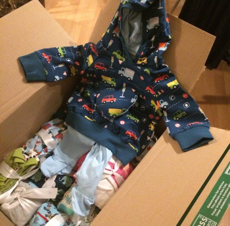 Kleidung für reifgeborene Sternenkinder